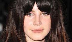 Lana Del Rey bez makijażu i tapiru!