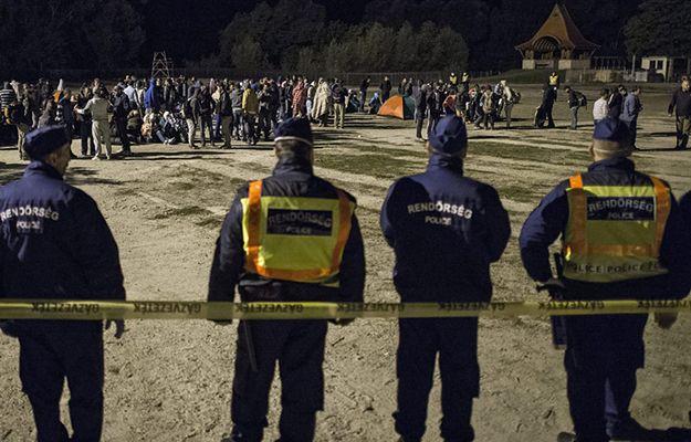 Węgierska policja na granicy z Chorwacją