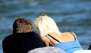 Wakacje za seks - bogaci, ale samotni szukają atrakcyjnych towarzyszek na urlop