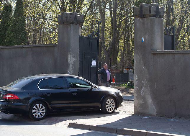 Jarosław Kaczyński na Cmentarzu Powązkowskim