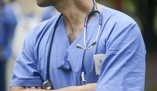 Lekarze sięgają po leki, by przetrwać długie dyżury
