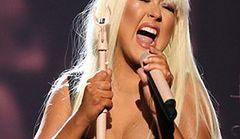 Minaj i Aguilera: eksponują puszyste wdzięki
