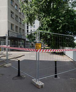 Warszawa. Początek prac nad chodnikami w al. Armii Ludowej