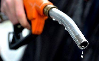Zbliża się koniec spadków detalicznych cen paliw