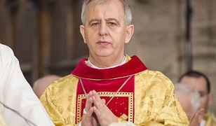 Obostrzenia w kościołach. Biskup Piotrowski: nie jesteśmy obywatelami drugiej kategorii
