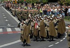 Półtora tysiąca żołnierzy przeszło w defiladzie ulicami Warszawy