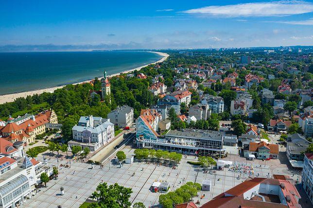 W Sopocie wiele hoteli zaprasza turystów do skorzystania z oferty zgodnie z rozporządzeniem