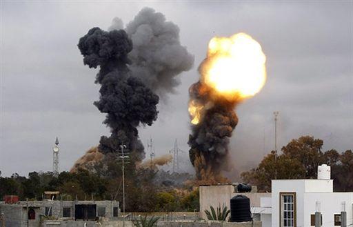 Tej doby na siły Kadafiego poleciało 22 Tomahawków