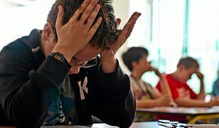 Nauczyciel otrzymuje odprawę za sześć miesięcy