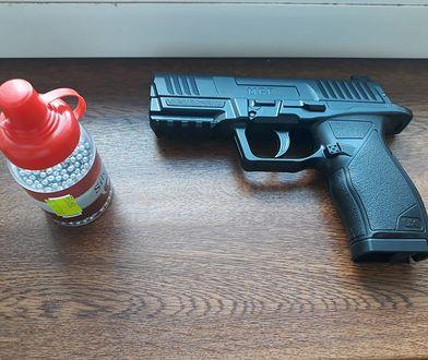 Mężczyzna strzelał z broni ASG