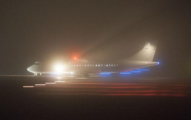 Samolot lądujący we mgle w Gdańsku