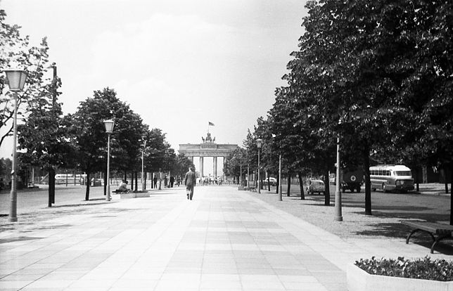 Brama Brandenburska znajdowała się w Berlinie Wschodnim