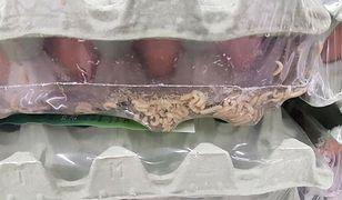 Jaja z larwami na półkach. Kontrola sanepidu w Leclercu