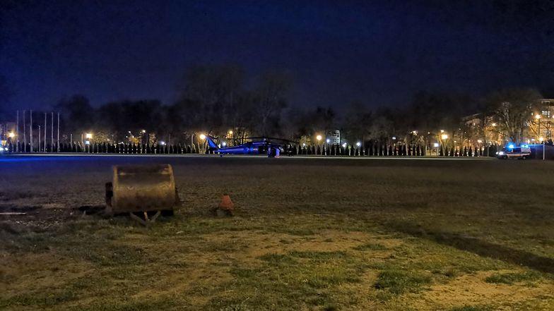 Tajemnicza akcja w Radomiu. Policyjny Black Hawk transportował ciężko chorą pacjentkę