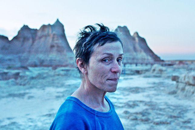 """""""Nomadland"""" to historia ludzi, którzy wybrali dla siebie zupełnie inny styl życia"""