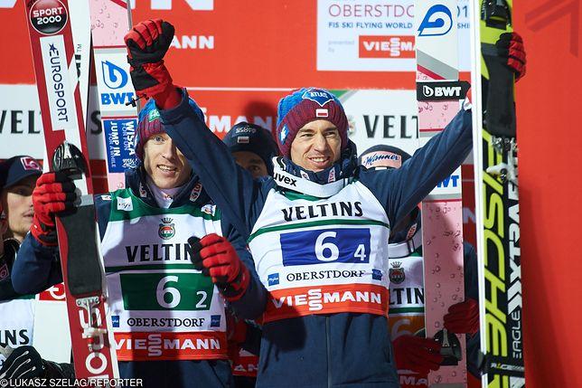 Skoki narciarskie 2019 na żywo. Zdj. ceremonii medalowej konkursu drużynowego MŚ w Lotach w Oberstdorfie (21.01.2018 r.)