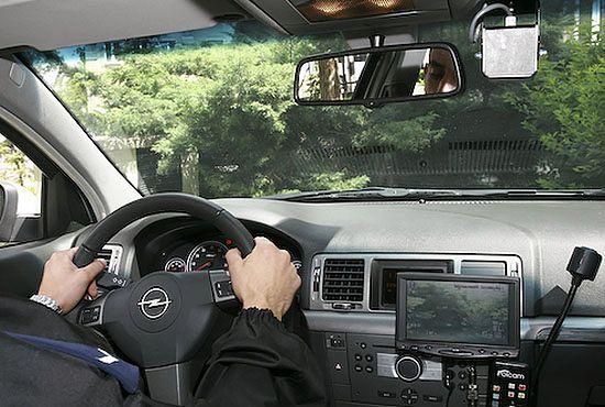 Polska policja będzie jeździła mercedesami