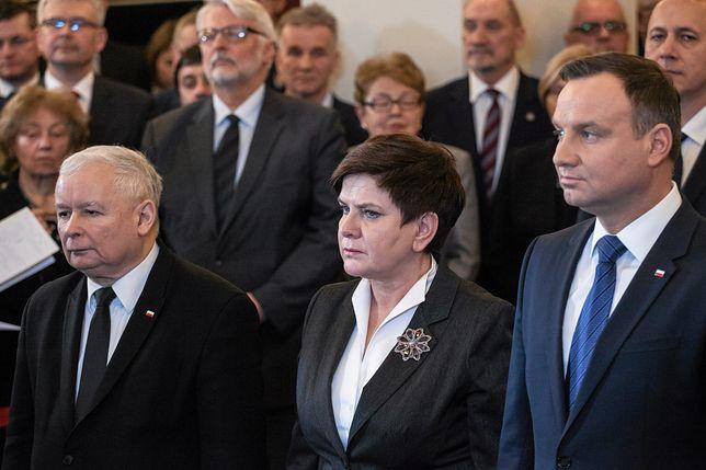 Jarosław Kaczyński, Beata Szydło i Andrzej Duda.