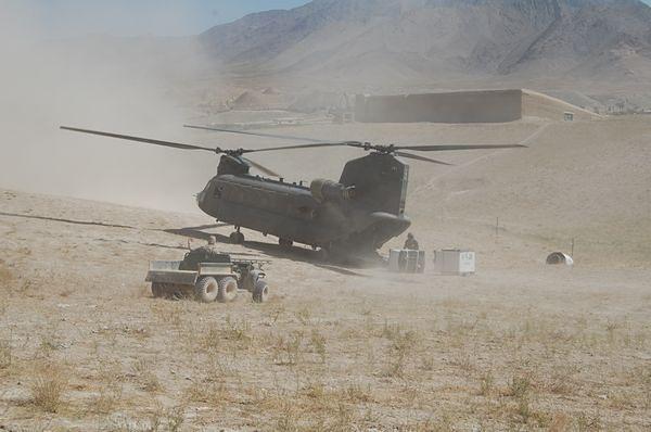 """CH-47 """"Chinook"""" - Maszyna od brudnej roboty"""