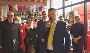 Na taką niedzielę w Radzyniu Podlaskim czekali latami. Jedyny otwarty market jest polski