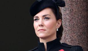 Kate pocieszała chłopca, którego tata zginął w Afganistanie. Zwróciła uwagę na medale, które po nim nosi