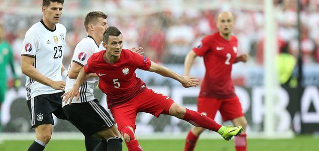 Mecz Polska-Niemcy oglądało 14,3 mln widzów. TVP1 wygrała z Polsatem