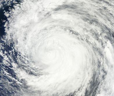 Tajfun Yutu uderzył w Filipiny. Wiatr wiał nawet z prędkością 230 km/h.