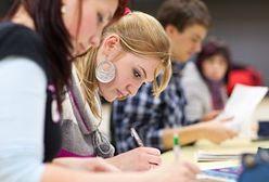 Bezpłatne studia to fikcja. Ile kosztuje zdobycie dyplomu?