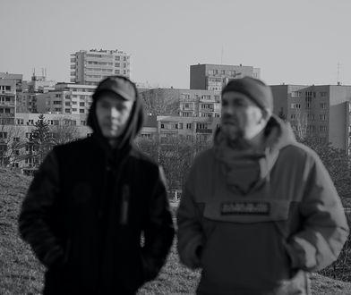 """""""Skandal. Ewenement Molesty"""" to historia o jednej z najważniejszych grup w historii polskiego hip hopu"""