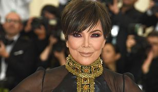 63-letnia Kris Jenner stawia na mocny makijaż