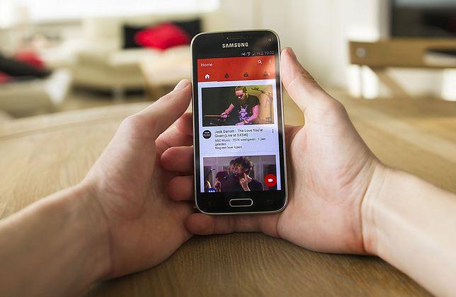 YouTube: aplikacja mobilna z nowym sposobem przewijania filmów