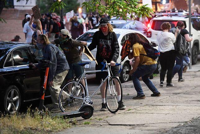 USA. Samochód wjechał w ludzi podczas protestu pośmierci George'a Floyda / zdjęcie poglądowe