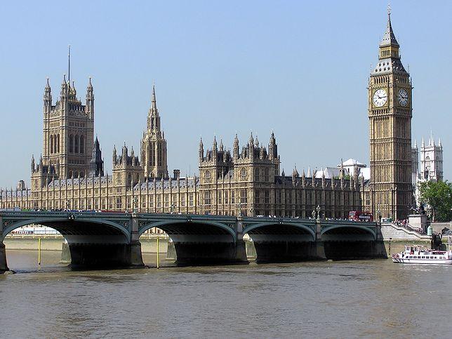 Tajne loże masońskie w brytyjskim parlamencie. Członkami politycy i dziennikarze