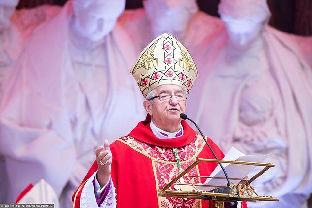 Abp Głódź pod ostrzałem. Wytykają mu obecność na beatyfikacji kard. Stefana Wyszyńskiego