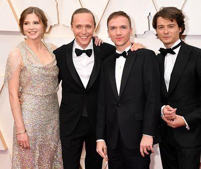 """Oscary 2020. Twórcy """"Bożego ciała"""" wracają do Polski. LOT przywitał ich z honorami"""