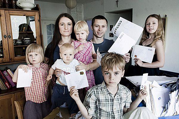 Karolina i Tomasz Elbanowscy wraz z dziećmi