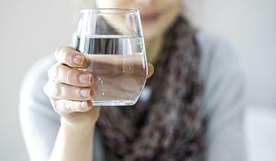 Jak pić więcej wody? 5 skutecznych trików