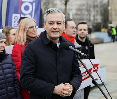 Robert Biedroń pierwszy raz od lat spędzi święta w Polsce?! W tym roku wszystko będzie inaczej