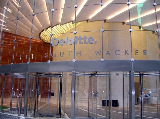 Deloitte jest częścią wielkiej czwórki firm, zajmujących się zarządzaniem finansowym