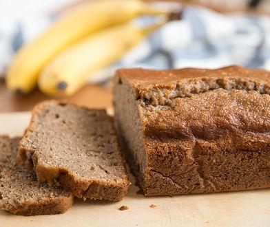 Chlebek bananowy fit. Jak zrobić dietetyczną wersję popularnego wypieku?