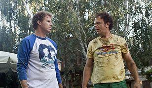 John C. Reilly i Will Ferrell jako Holmes i Watson