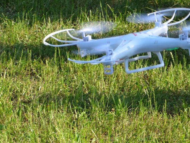 Dron ucieka z miejsca zbrodni ;]