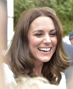 Niespodzianka w centrum Londynu. Kate Middleton i Charlotte w tanim pubie