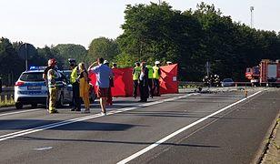 Tragiczny wypadek w Antoninie. Dwie osoby nie żyją, wśród rannych dzieci