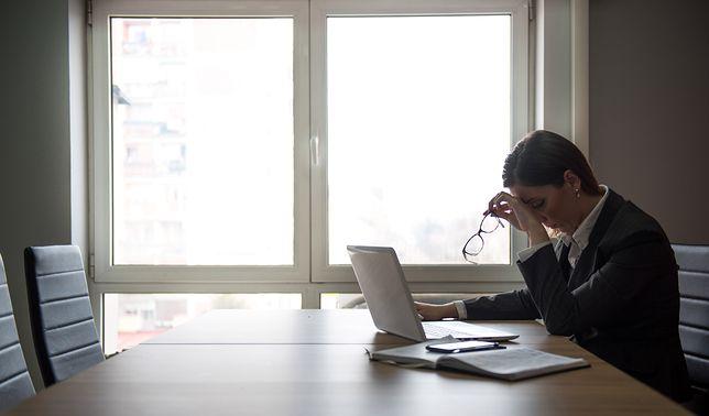 Rzuciła pracę w urzędzie. Od kiedy zatrudnił ją mąż, zarabia 7,2 tys. zł