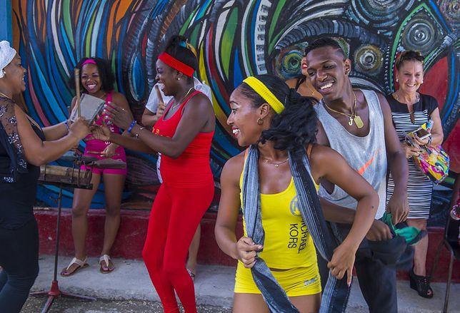 Rumba - historia, kroki i figury latynoamerykańskiego tańca