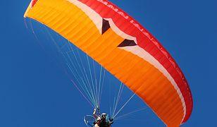Paralotniarz uderzył w ogrodzenie i stracił przytomność