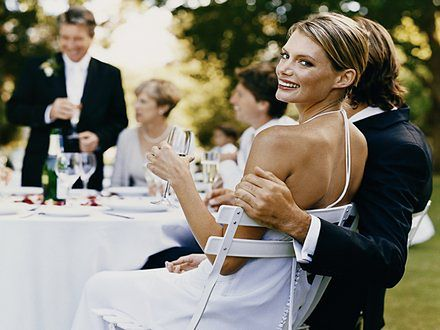Zatrzymane w kadrze – jak wybrać fotografa ślubnego