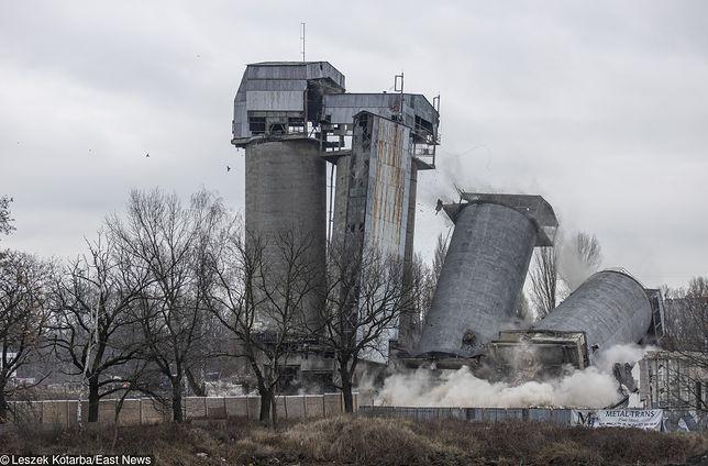 Wrocław: Wielki wybuch. Wyburzono cztery silosy w Popowicach