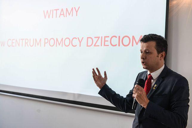 """Rzecznik Praw Dziecka uważa, że decyzja o odwołaniu Sejmu Dzieci i Młodzieży jest """"niezrozumiała i kuriozalna"""""""